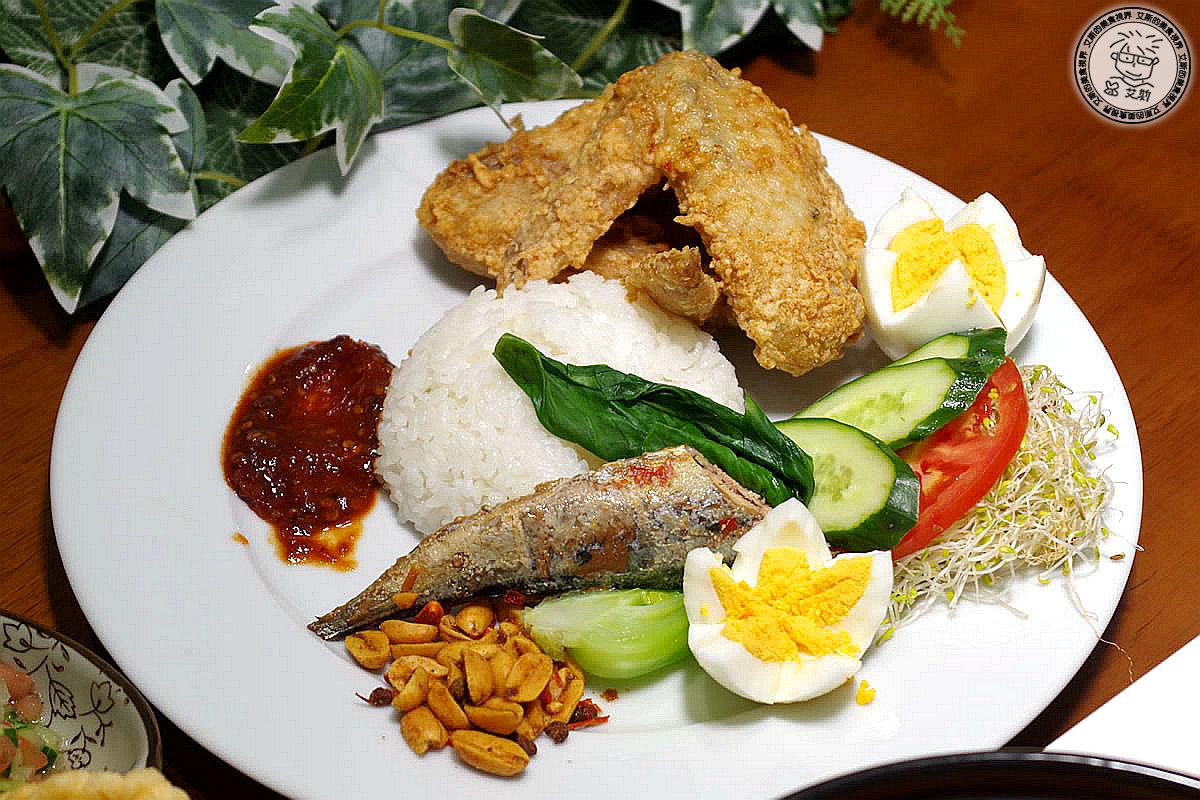 8印尼炸雞翅附飯1.jpg