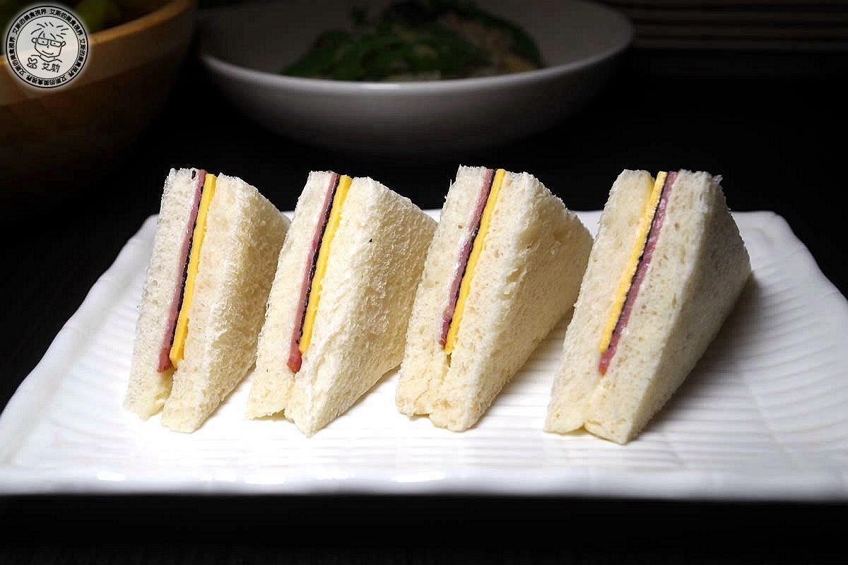 2小點2-松露火腿三明治1.jpg