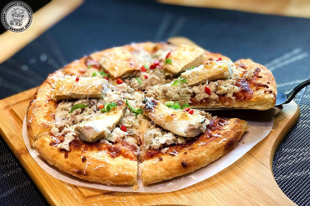 5六吋牛奶魚披薩5.jpg