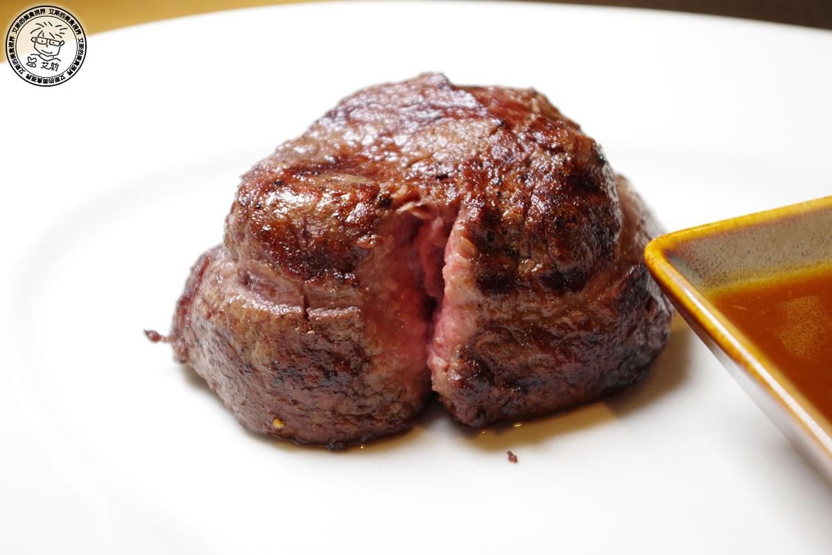 8主菜-美國頂級菲力牛排7oz2.jpg