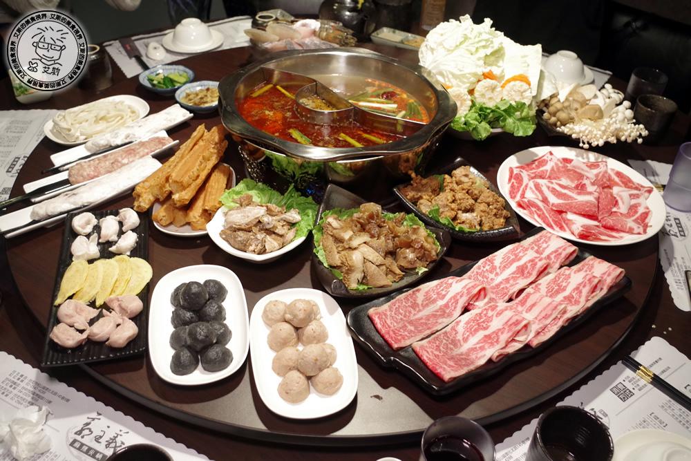型男大主廚裡的郭主義麻辣火鍋民生店開幕了~不論是湯頭、肉品、配料…等等都是嚴選~行天宮捷運站美食【已歇業】