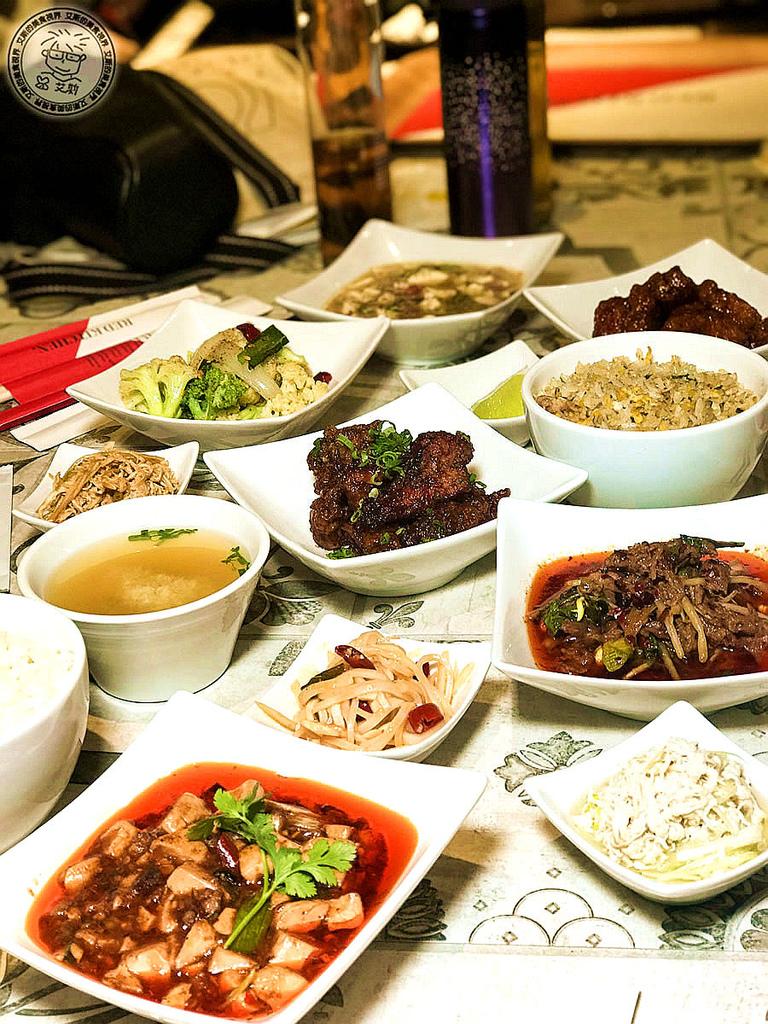 【川菜.平價】微風南山美食街也可以吃到正統平價又好吃的川菜。金葉紅廚 Red Kitchen