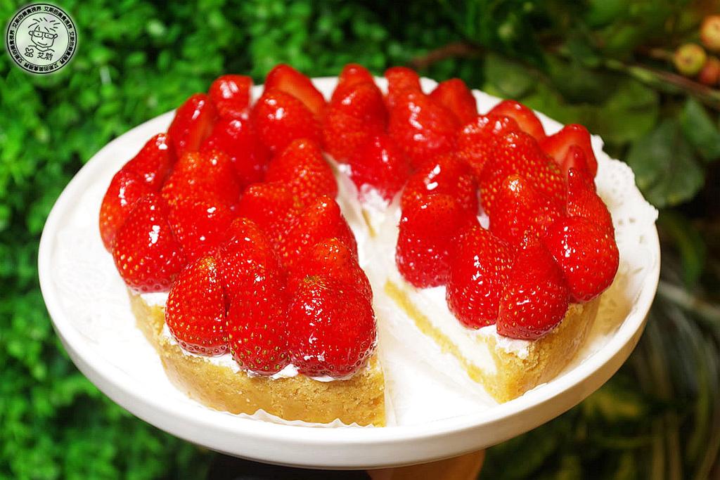 【甜點.蛋糕】草莓季節又來了美味的草莓法式甜點在蛋糕店裡也可以直接享用.法式甜點.彌月蛋糕.生日蛋糕.宅配甜點.Aposo 艾波索法式甜點