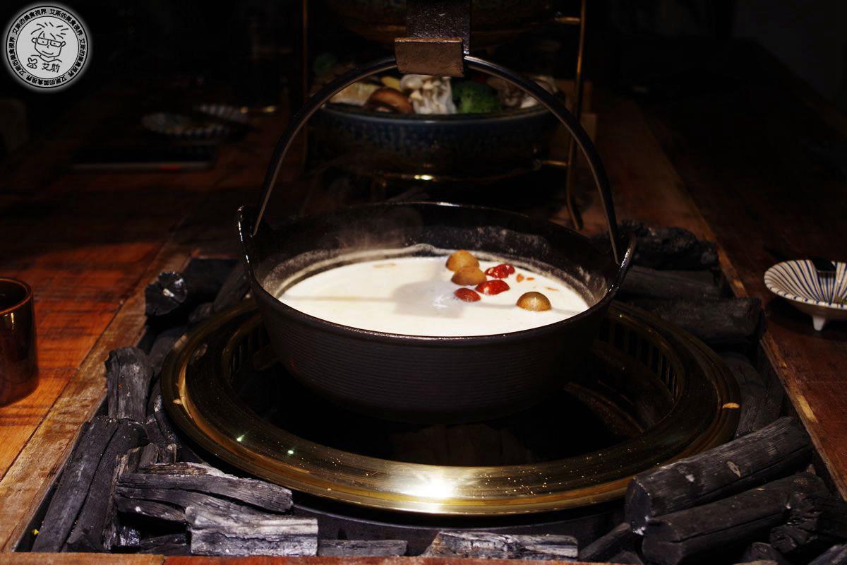 8貢布胡椒雞湯鍋