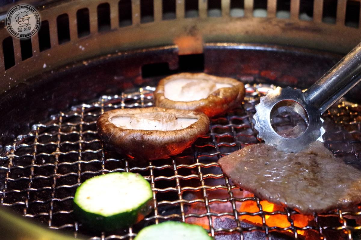 8牛肉盛合-香菇2