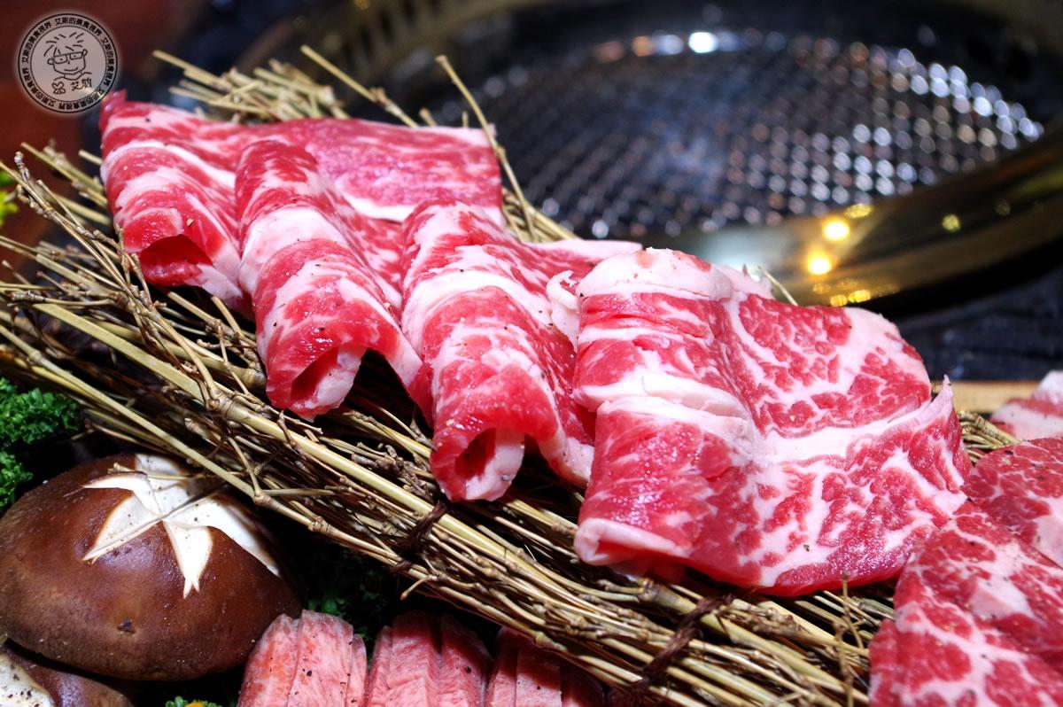 8牛肉盛合1-牛小排