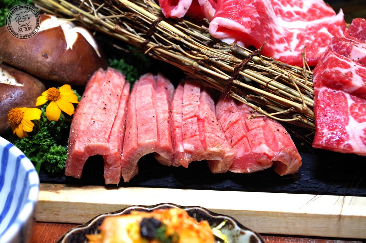 8牛肉盛合1-牛舌1