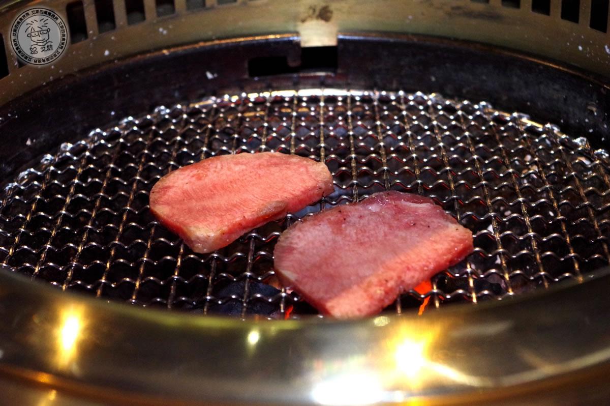 8牛肉盛合1-牛舌2