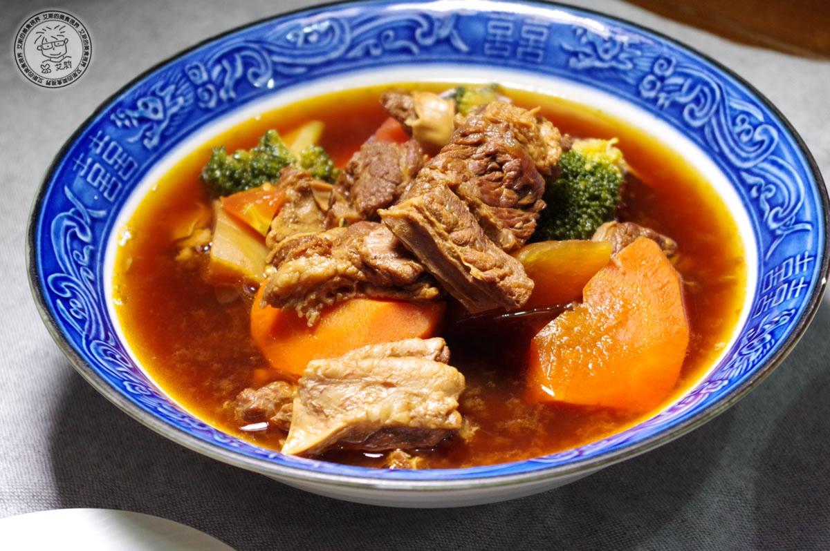 9秧悦香草牛腩湯2